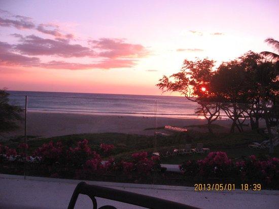 Hapuna Beach Prince Hotel: レストランから