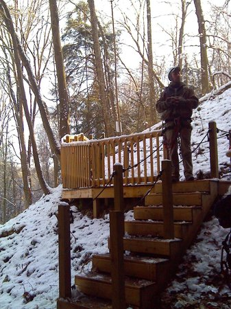Soaring Cliffs Zip Line Course: the hike between lines