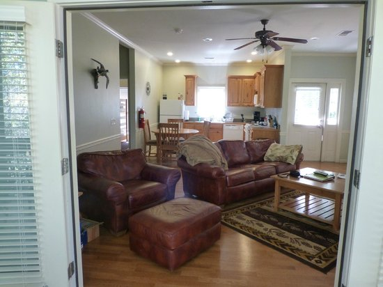 Bogue Chitto State Park Lodging: Living Room, Dining & Kitchen