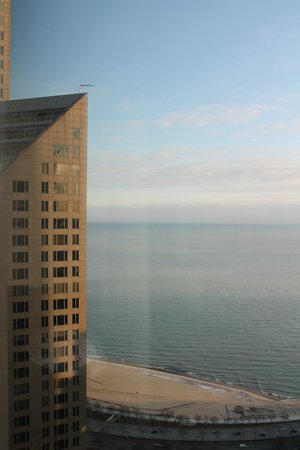 Four Seasons Hotel Chicago : View from our room on the 37th Floor towards Lake Michigan