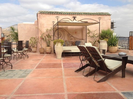 Riad Laaroussa Hotel and Spa: Terrace