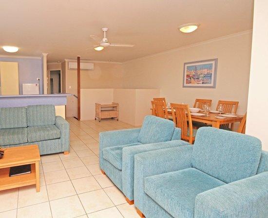 Coolum Beach Getaway Resort: 3 Bedroom Living Area