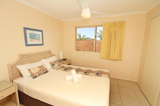 Coolum Beach Getaway Resort: 2 Bedroom Main Bedroom