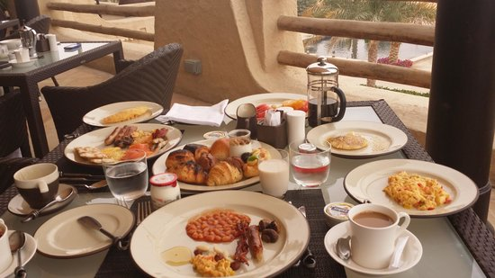 Qasr Al Sarab Desert Resort by Anantara: Delicous Breakfast