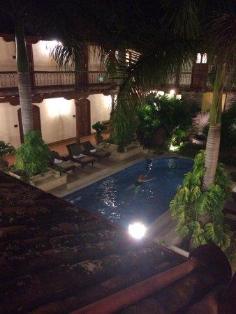Hotel Plaza Colon: Pool