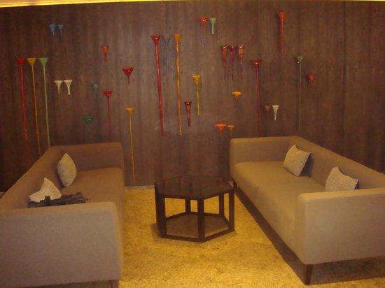 Crowne Plaza Hotel Lake Malaren : Golf Tees on wall outside meeting room