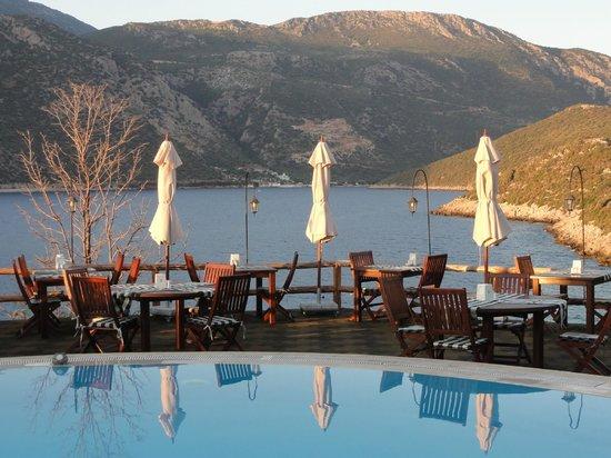 Hotel Club Barbarossa : Dining around the pool