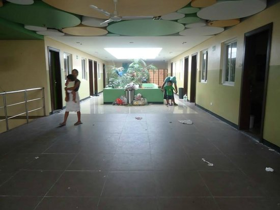 Go Hotels Tacloban: The hotel a day after the typhoon hit.