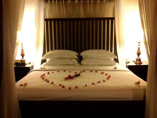 Clove Villa: Honeymoon bed arrangement