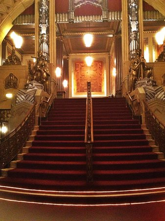 Pantages Theatre: Beautiful Staircase