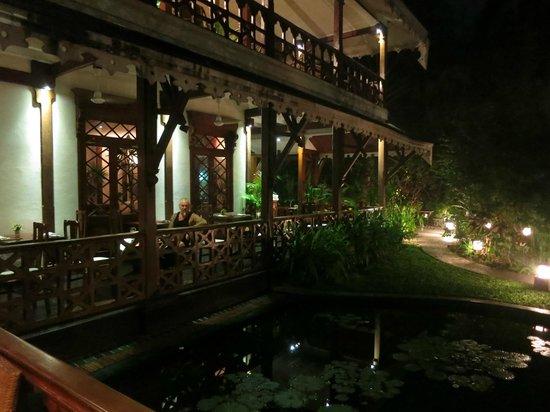 Belmond Governor's Residence : Pondside Dinner at Xanadu