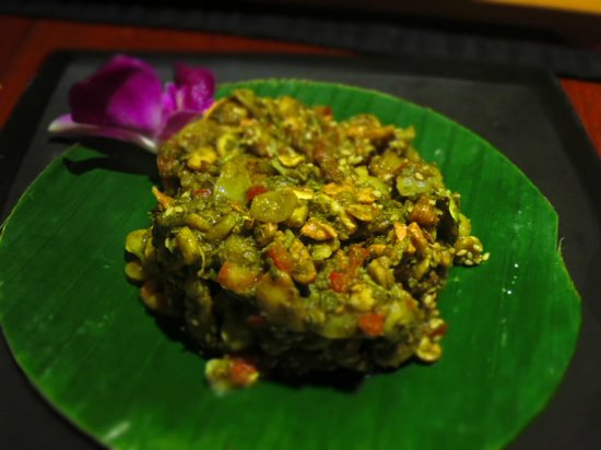 Belmond Governor's Residence : Lahpet . traditional tea leaf salad