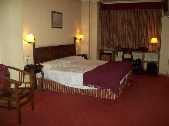 Hotel Don Luis: dormitorio