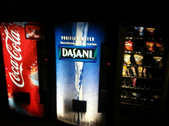 Hollywood Hotel : soft drink machine