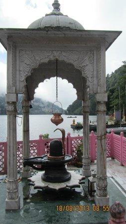 Grand Hotel: Naina devi temple