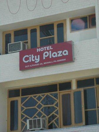 Hotel City Plaza 3: Exterior