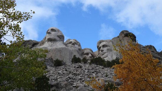 Mount Rushmore National Memorial: view from the Presidential Trail