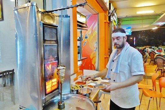 khayrat al-sham Restaurant: Grilling the chicken Kabab
