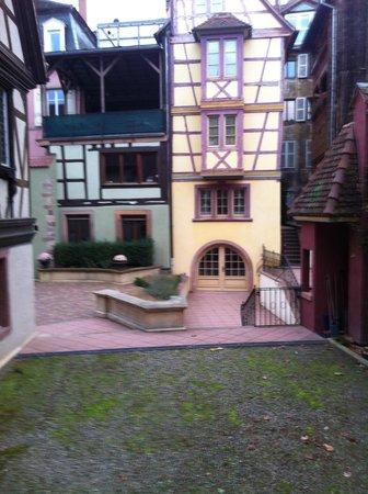 Hotel Saint Martin : vue de notre chambre sur cour privé