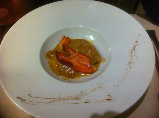 Hotel Cote Rivage: Lobster claw (peeled) ravioli with lobster, spinach and a lovely fennel flavour, aniseed and cog