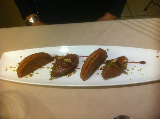 Hotel Cote Rivage: Chocolate mousse, chocolate macaroon, with a sprinkling of pistachio nuts.