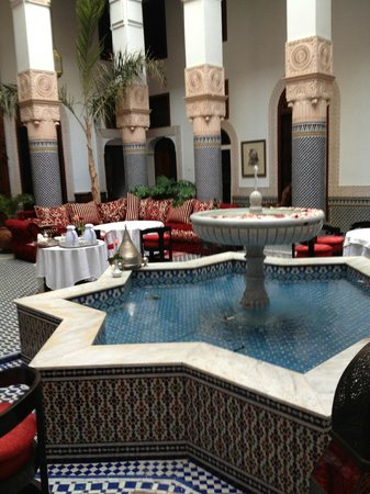 Riad Myra : dinning area