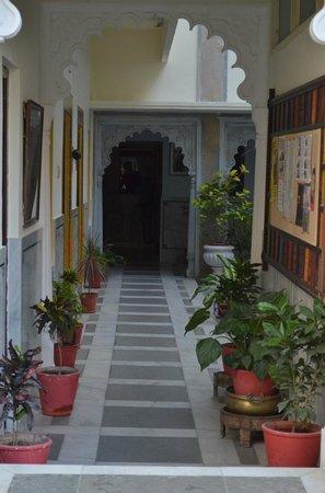 Hotel Mahendra Prakash: Lobby
