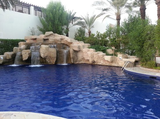 Dubai Marine Beach Resort and Spa: piscina