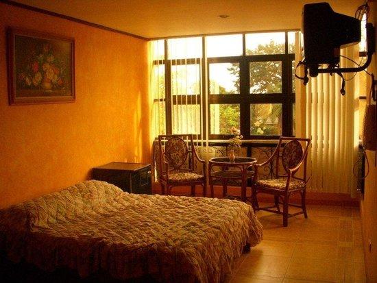 Plaza Maria Luisa Suites Inn: Matrimonial Sweet