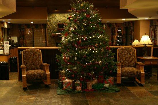 Baymont Inn & Suites Boone Near APP State: Lobby