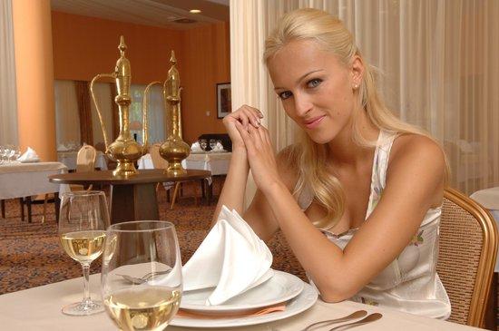 Spa Resort Tree of Life: Dining