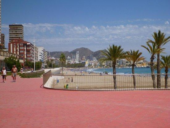 Hotel RH Corona del Mar: Promenade