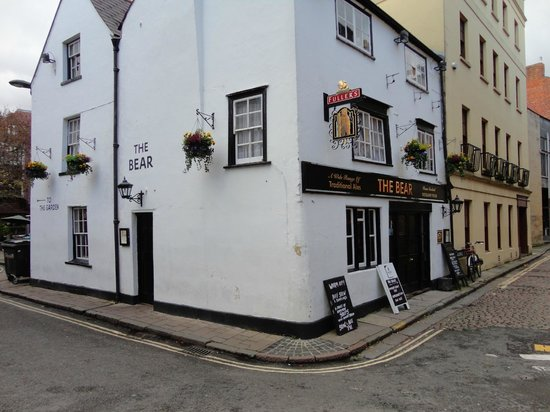 The Bear Inn: Pub med atmosfære