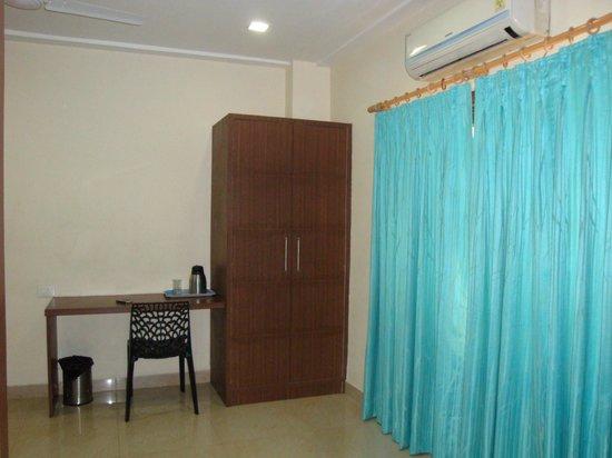 Bagla Atithi Bhawan : Inside view of the room