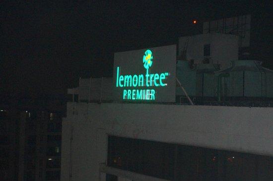 Lemon Tree Premier : Terrace
