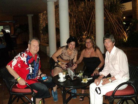 Catalonia Bavaro Beach, Casino & Golf Resort : Con Loli y Dani