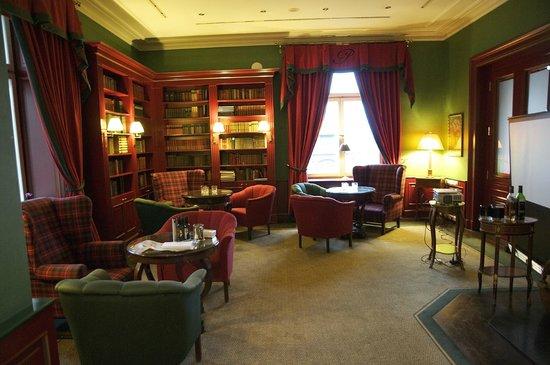 Le Palais Art Hotel Prague: Library