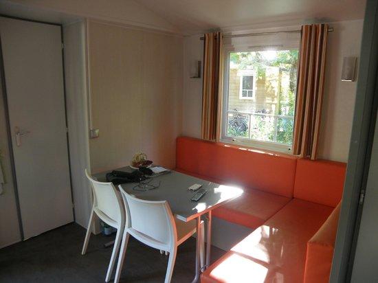 Camping Cote Mer: salle à manger