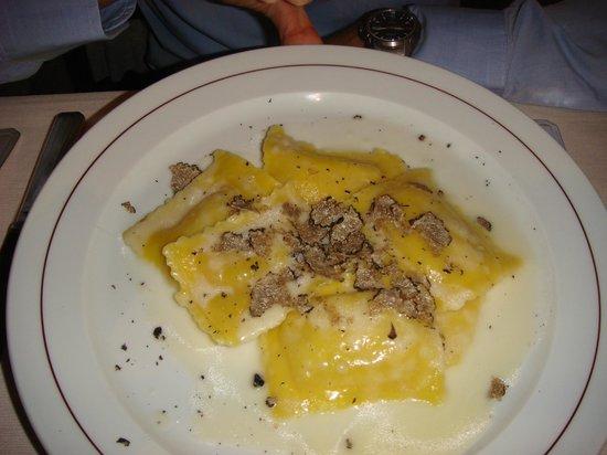 Bar la Cisterna: Ravioli al tartufo