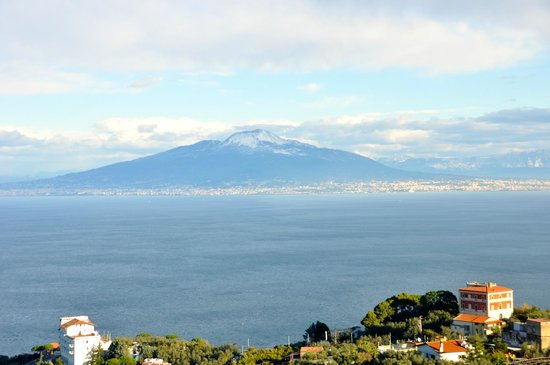 Il Nido Hotel Sorrento : Mt Vesuvius from room balcony