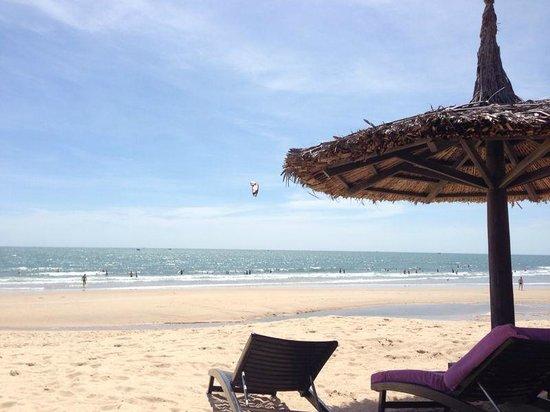 Anantara Mui Ne Resort : The Anantara beach