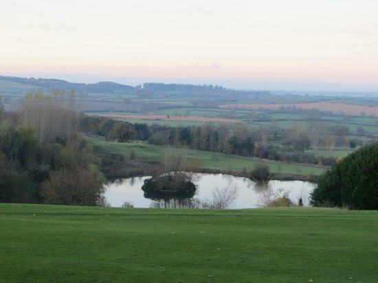Hellidon Lakes Golf & Spa Hotel : View across lake and golf course.