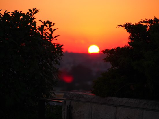 Eresin Crown Hotel Sultanahmet: Sunset from the rooftop