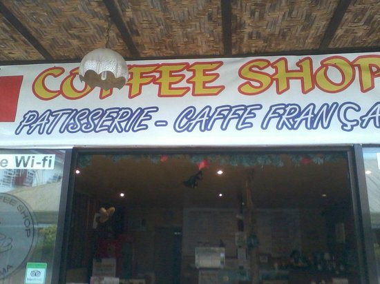The French Coffee Shop : Located on the main strip of restos and accommodations in Moalboal.