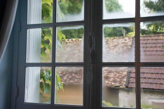 Les Jardins du Val: room's window
