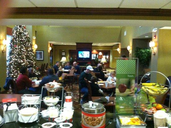 Hampton Inn & Suites - Opelika: Breakfast Room