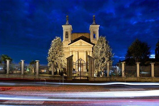 Bra: il Santuario della Madonna dei Fiori e il miracolo di un pruno che fiorisce in inverno