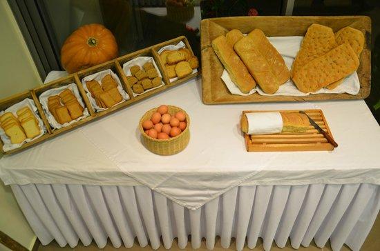 Anastasia Hotel Karystos: Greek breakfast