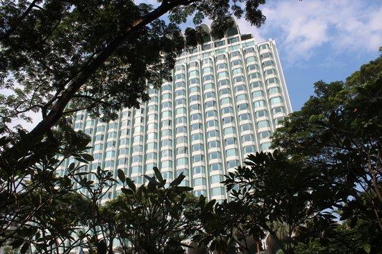 Shangri-La Hotel, Singapore: Front of Hotel