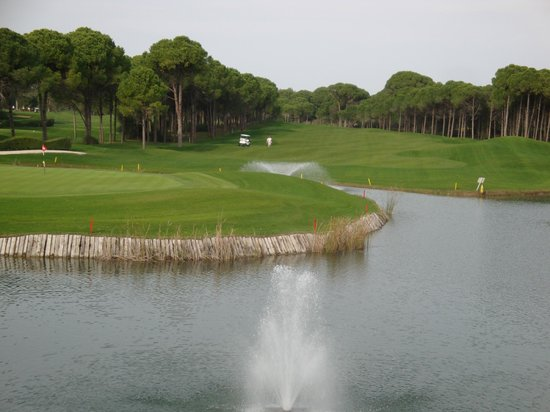 Sueno Hotels Golf Belek: View from Hotel to Dunes Course